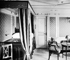 First class accommodations aboard the RMS Titanic in an undated photo. The largest ship afloat at the time, the Titanic sank in the north Atlantic Ocean on April after colliding with an iceberg during her maiden voyage from Southampton to New York City. Rms Titanic, Titanic Real, Titanic Photos, Titanic History, Belfast, Empire Style, Interesting History, Interesting Facts, Old Photos