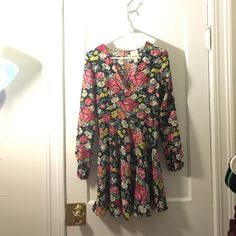 Urban Outfitters YAYA Long Sleeve Mini Dress Chiffon mini floral dress with peek a boo back. Size 8, but fits more like a 6 Urban Outfitters Dresses Mini