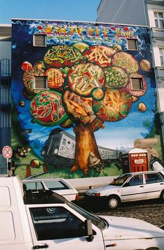 GRAFFITI 2000 BY KACAO77 / BACKGROUND BY ESHER, CHESTER / STYLES BY SHAW, DHOR, DEJOE, KEY BY ZEAL, SKEY, KIDE 1999