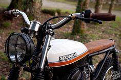 Honda cb 125 1980 cafe racer - Sur Les Chapeaux De Roues vintage bike