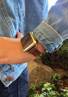 Apple Watches Collection 2018 / 2019 : Apple Watch iWatch Band Women Bands Case by TimeKitsUSA - Watches Topia - Watches: Best Lists, Trends & the Latest Styles Army Watches, Cool Watches, Watches For Men, Popular Watches, Gps Watches, Bracelet Iwatch, Brown Suede, Suede Leather, Apple Watch Bracelets