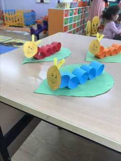 worm crafts for toddlers * worm craft ; worm crafts for kids ; worm crafts for toddlers ; worm crafts for preschoolers ; worm crafts for preschool ; worm crafts for kids art projects Worm Crafts, Daycare Crafts, Paper Crafts For Kids, Toddler Crafts, Projects For Kids, Diy For Kids, Art Projects, Diy Paper, Diy Crafts Videos