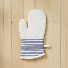 I so need these. I need more. I never have enough. Oven Mitt - Caf Stripe #WestElm