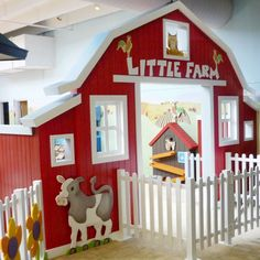 Resultado de imagen para how to make a cardboard stage set Barn Wood Crafts, Home Daycare, Farm Birthday, Farm Party, Farm Theme, Kids Zone, Toy Rooms, Indoor Playground, Kids Church