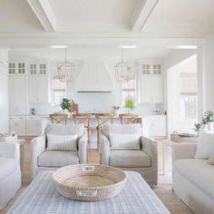 Casa da Anitta: see the singer's mansion in Barra da Tijuca - Home Fashion Trend Design Furniture, Plywood Furniture, Home Furniture, Rustic Furniture, Antique Furniture, Outdoor Furniture, Furniture Ideas, Furniture Outlet, Discount Furniture