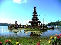 Exploring Bali's sights and surroundings