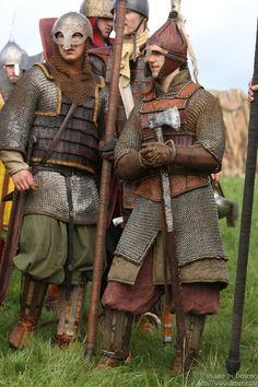 Niet veel Harlanders hebben bepantsering, maar vaak is het leer(lamellen) en/of maliën.
