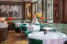 London - America's Favourite Steakhouse Situated in the architecturally significant Adelphi building this restaurant was the first venture Outside of the Best Steak Restaurants, London Eats, External Lighting, Smart Design, Lighting Design, Table Settings, Table Decorations, Dining, Interior Design