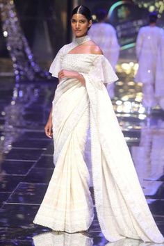 Sweetheart Wedding Dress, Modest Wedding, Big Fat Indian Wedding, Vogue India, Sari Blouse, Bridal Lehenga, Designer Wear, Indian Fashion, Bridal Dresses