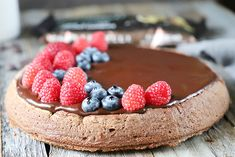 Pastel de chocolate sin gluten Chocolate Sin Gluten, Raspberry, Fruit, Food, Chocolate Icing, Rice Flour, Melted Chocolate, Chocolate Chips, Pie Recipes