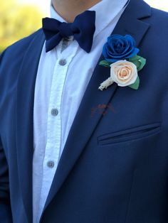 Blue Boutonniere, Prom Corsage And Boutonniere, Wedding Boutonniere, Boutonnieres, Blue Corsage, Lapel Flower, Foam Roses, Prom Outfits, Bridal Flowers