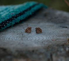 Diamond Wood Studs $18.00 Photography by @meganungerphotography These darling Canadian inspired wooden Diamond Studs are the perfect accessory to add to your wild bohemian wardrobe. Capturing Canadian inspired symbols with the rustic feel of natural wood, LBD brings that mountain-loving lifestyle back to life! Material: Wood size: 12mm
