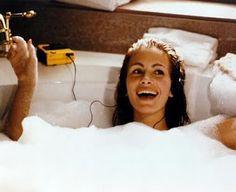 Julia Roberts having a bath and singing. Pretty Woman