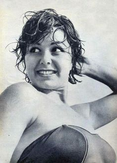 Ntjona Costnda Miss Egypt and Miss World 1954