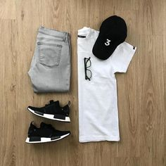 3 cool t-shirt fits by . If you're struggling to dress sharp and look good. Cool Outfits, Casual Outfits, Men Casual, Fashion Outfits, Fashion Ideas, Wardrobe Systems, Outfit Grid, Men Style Tips, Minimal Fashion