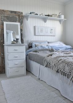 1000+ ideas about Mirror Behind Nightstand on Pinterest Ideas ...