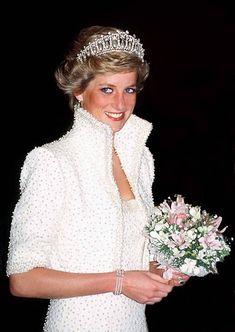 2,394 Princess Diana White Photos and Premium High Res Pictures Princess Diana Birthday, Princess Diana Photos, Princess Charlotte, Princess Of Wales, Lady Diana Spencer, Spencer Family, Kate Middleton, Lovers Knot Tiara, Catherine Walker