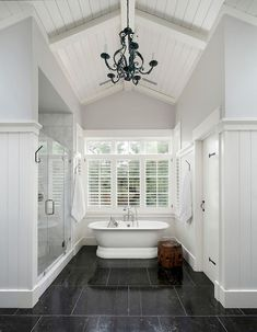 Rustic farmhouse master bathroom remodel ideas (11)