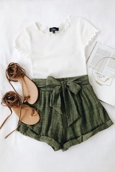 Rachael White Knit Lettuce Hem Tee - Renee s Treasure Box - Pin To Travel 70cd7bfdf