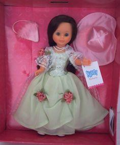Rhett Butler, Nancy Doll, Girls Dresses, Flower Girl Dresses, Little Doll, Snow White, Glamour, Disney Princess, Wedding Dresses