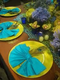 ♡ Blue and Lime Green Table Decoration Theme. Not so much the color, napkins are of a soft material. Pretty presentation how they are folded. Peacock Decor, Peacock Theme, Peacock Wedding, Peacock Colors, Peacock Art, Peacock Blue, Bright Colors, Origami, Wedding Decorations