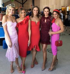 Horse Race Outfit, Races Outfit, Kentucky Derby Fashion, Kentucky Derby Outfit, Melbourne Cup Fashion, Derby Outfits, Race Wear, Strapless Dress Formal, Formal Dresses
