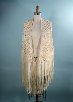 Vintage 30s Cream Crochet Ribbon Piano Shawl with Long Fringe/ Bohemian Hippie Wedding Wrap/Music Festival Fringe Top