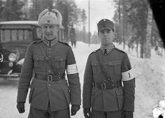 Finnish Army Lieutnant Genera Harald Öhqvist and Colonel K. Yrjö Takkula, 1937
