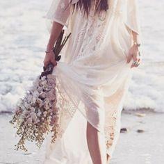 A wedding on the beach so lovely �� strandbröllop så magiskt härligt ��:Pinterest #foreverusbride http://gelinshop.com/ipost/1521786588551192537/?code=BUeeNbqjB_Z