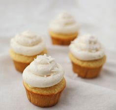 Easter Cakes: Coconut Cupcakes with Lemon Curd