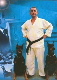 """Higgins with was totally why i watched """"Magnum P."""" as a small child Doberman Love, Magnum Pi, Tom Selleck, Doberman Pinscher, Old Tv, Family Dogs, Dobby, Large Dogs, Mans Best Friend"""
