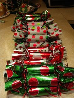 Fun Christmas Games for Your Holiday Parties : Christmas party favors So simple Toilet paper rolls fill with candy wrap tie with ribbons School Christmas Party, Fun Christmas Games, Christmas Party Favors, Christmas Activities, Christmas Holidays, Christmas Crafts, Christmas Party Ideas For Adults, Grinch Christmas Party, Christmas Decorations With Kids