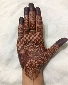 If You Looking For Interesting Mehendi Design Then You On Right Destination. Mehendi Is Made On festivals And It is Widely Used In Function . Dulhan Mehndi Designs, Mehndi Designs Finger, Palm Mehndi Design, Henna Hand Designs, Legs Mehndi Design, Mehndi Designs For Girls, Mehndi Designs For Beginners, Modern Mehndi Designs, Bridal Henna Designs