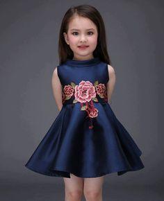 Vestidos florais para uma princesa em clima primaveril!