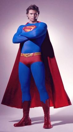 Superman :: Tom Welling :: Smallville 2012 This is the best mockup of Tom welling in the suit I have ever seen