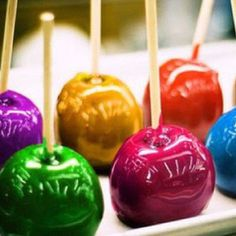 Colored caramel apples
