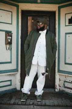 His Style: 7 Places to Shop for the Big & Tall and Plus Size Man http://thecurvyfashionista.com/2017/02/his-styleshop-big-tall/   Meet Marv Neal! The latest edition to the TCFStyle family here to drop some gems for plus size brothers looking to update their style. Also! Check out Marv's list of place to shop for plus size and Big & Tall men.