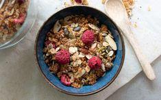 Kjøleskapsgraut med chia, kokos og banan - Kvardagsmat Granola, Quinoa, Acai Bowl, Oatmeal, Breakfast, Food, Acai Berry Bowl, The Oatmeal, Morning Coffee