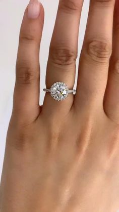 Round Halo Engagement Rings, Engagement Ring Settings, Secret Santa, Halo Diamond, Ring Designs, Round Diamonds, Jewelry Design, Bangles, Wedding Ideas