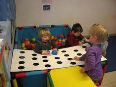knutselen kleuterklas gaatjes - Google zoeken Block Area, Sensory Play, Motor Skills, Games For Kids, Crafts For Kids, Projects To Try, Preschool, Kids Rugs, Activities