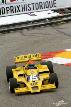 Jean-Pierre Jabouille with his Renault F1 | Main gallery | Photos | Motorsport.com