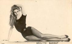 Costume Da Bagno Pin Up Anni 50 : 45 fantastiche immagini su 1960s pin up pin up vintage tv e