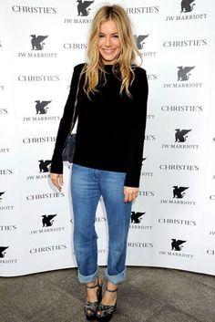 ♡ Sienna Miller in blue jeans