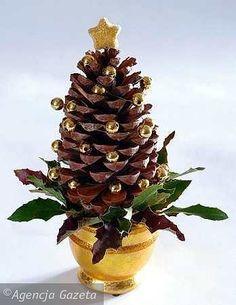 Znalezione obrazy dla zapytania stroiki świąteczne Christmas Diy, Christmas Decorations, Crafty Craft, Planter Pots, Fruit, Plants, Google, Projects, Plant