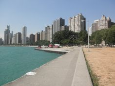 Beach/ Lake Shore Walk - North of the Loop in Chicago