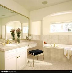 Great design of bathroom renovation ideas : awesome bathroom renovation design ideas with white wood bathroom Bathroom Vanity Stool, Bathroom With Makeup Vanity, Bathroom Vanities, Wood Bathroom, Bathroom Interior, Eclectic Bathroom, Basement Bathroom, Apartment Interior, Bathroom Lighting