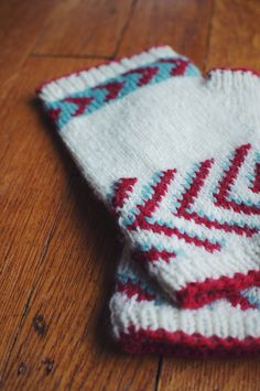 Midwest Mitts - Fingerless Mitts pattern by Andrea Mowry