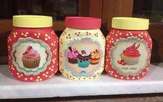 Decoupage Jars, Decoupage Vintage, Vintage Paper, Wine Bottle Crafts, Jar Crafts, Diy And Crafts, Cupcake Boutique, Galaxy Jar, Diy Crystals
