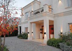 Arquitecto Daniel Tarrío y Asociados - Casa estilo clásica moderno - PortaldeArquitectos.com