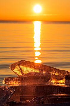 Winter sunset - Winter sunset over the lake Balaton (Hungary)